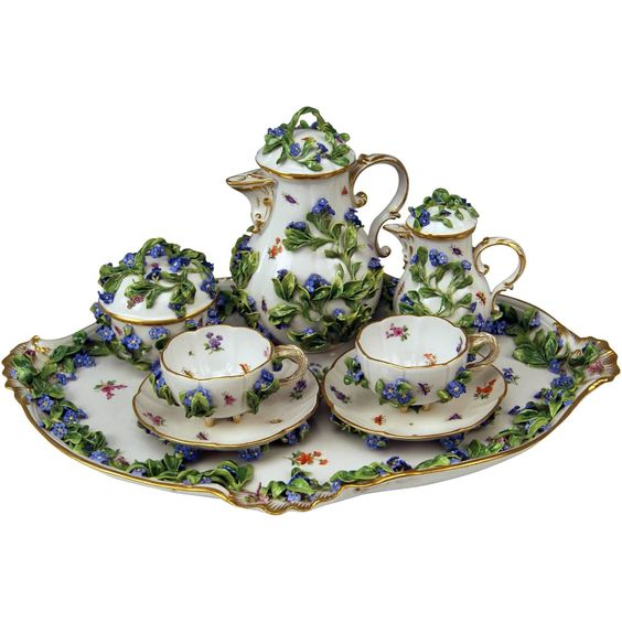 Meissen Nicest Dejeuner Mocha Set Two Persons Forget-Me-Nots Form Saxony