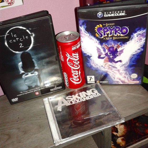 On instagram by k8vingaming  #retrogaming #microhobbit (o)  http://ift.tt/1UYwPIT  'Sup  #thering #horror #horrormovies #spyro #gamecube #nintendo #cocacola #askingalexandria #metalcore #retrocollective  #gaming #games #gamers #jeuxvideo #videogames #instagaming #k8vingaming