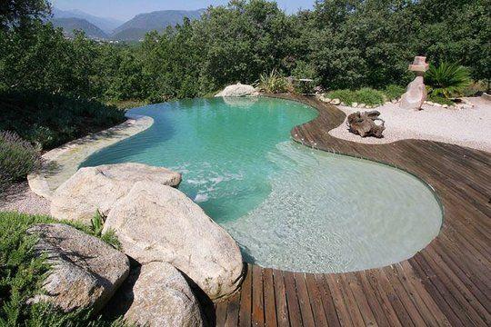 Autour de la piscine : 10 piscines aux abords travaillés