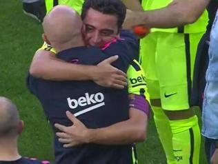 Xavi Hernández llora tras conseguir su octava Liga