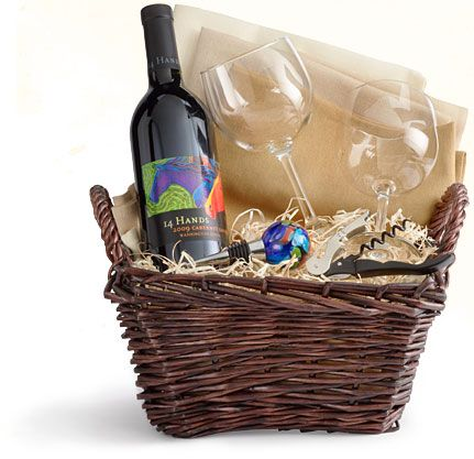 ... Gift Ideas Pinterest Gift basket ideas, Wine gift baskets and Wine