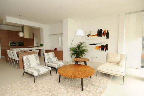 Ou Can Bring The Atmosphere Of A Tropical Beachfront Hotel On Decorating The Living Room At Modern Tropical Living Room Tropical Living Room Tropical Lifestyle