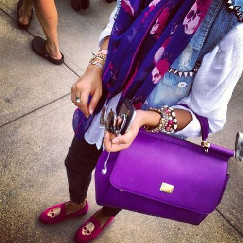 color de moda en ropa y maquillaje