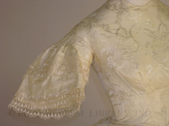 1852-54 Evening or wedding gown (bodice detail)