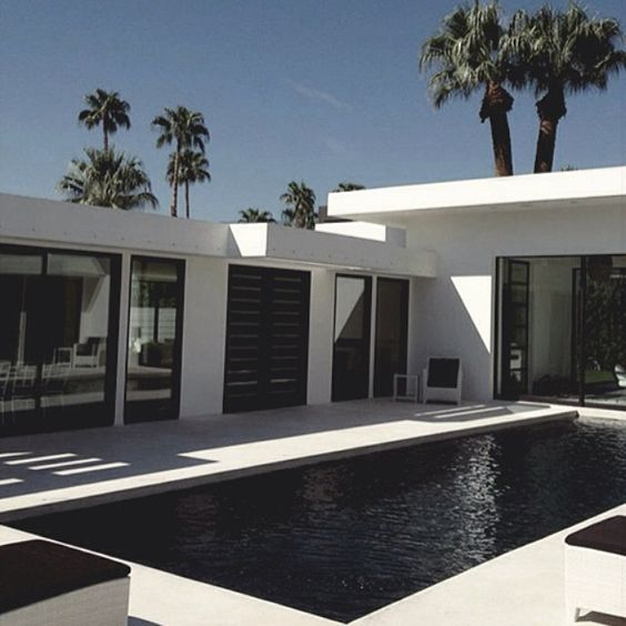 Livin in p a r a d i s e // #concretedesign #dreamhome #poolside