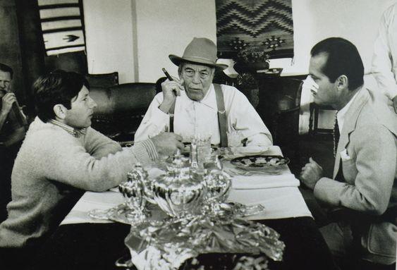 Roman Polanski, John Huston, and Jack Nicholson on the set of CHINATOWN (Roman Polanski, USA, 1974) | Source: Cinephilia  Beyond