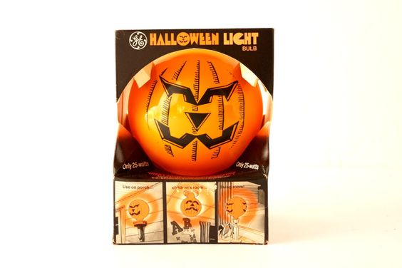 Vintage Halloween Pumpkin Face Light Bulb by GE in Original Box (c1970s)