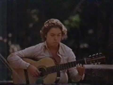 Raphael Rabello aos 16 anos tocando Ernesto Nazareth