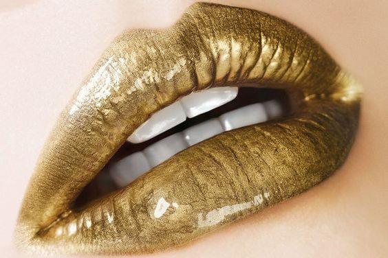 STYLEeGRACE ❤'s gold lipstick!