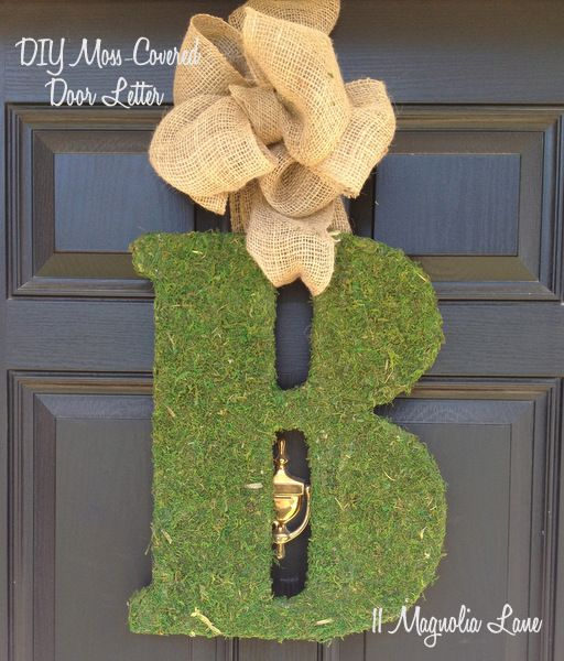 Quick, inexpensive, and easy DIY tutorial for large moss-covered door letter, by 11 Magnolia Lane.