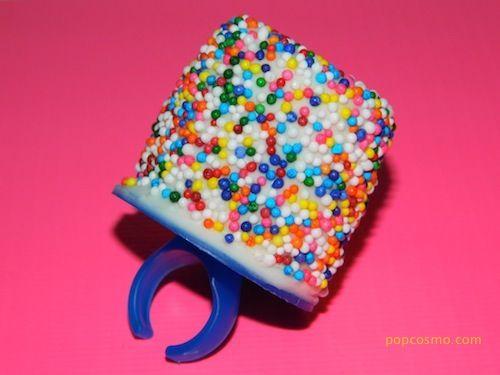 Marshmallow Madness: marshmallow pops!