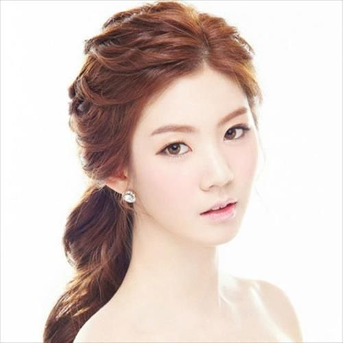 Wedding Hairstyle Korean: Pin By Michaela Holanová On Hair