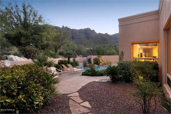 A simple classic backyard landscape design using native for Earth designs landscaping