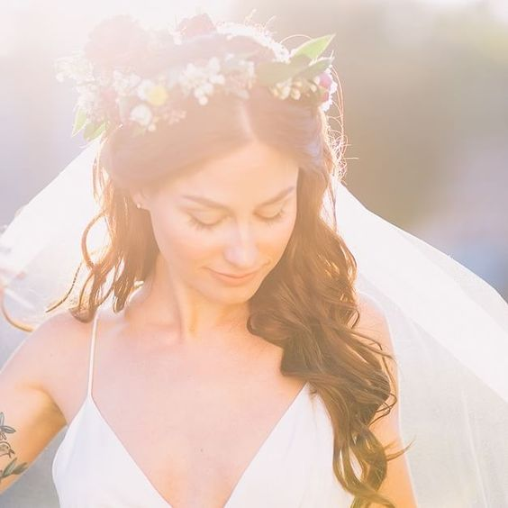 This Florida Bride's Flower Crown Puts All Other Crowns to Shame