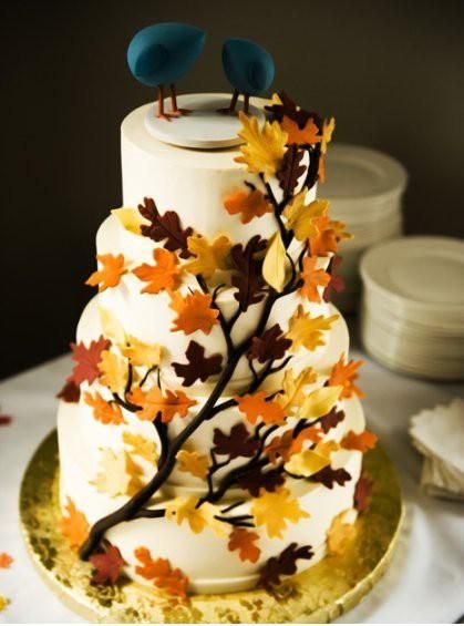 Tarta de boda con motivos otoñales