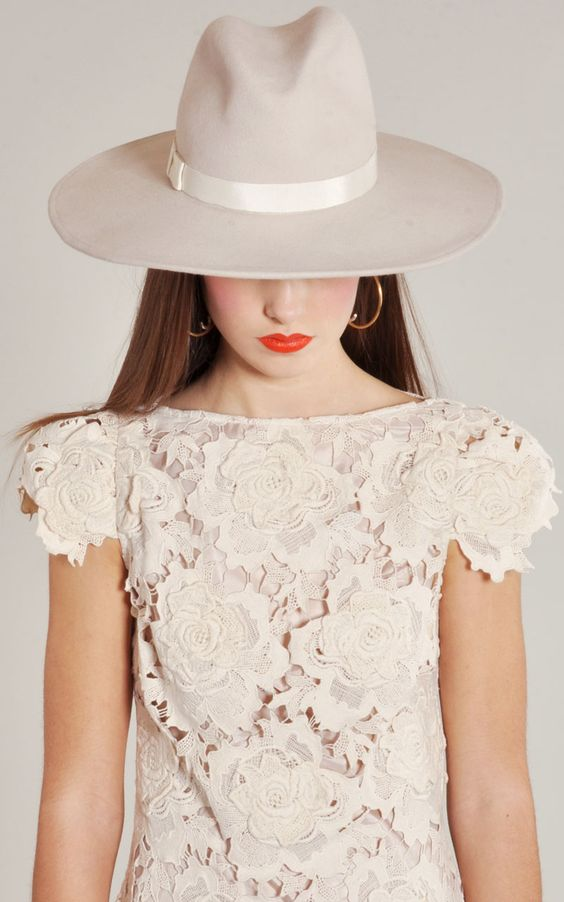 Yestadt Millinery Alabaster Peaks Hat with The Lover 3D Star Lace Dress