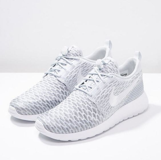 solde air max femme - Nike Sportswear ROSHE ONE FLYKNIT Baskets basses pure platinum ...