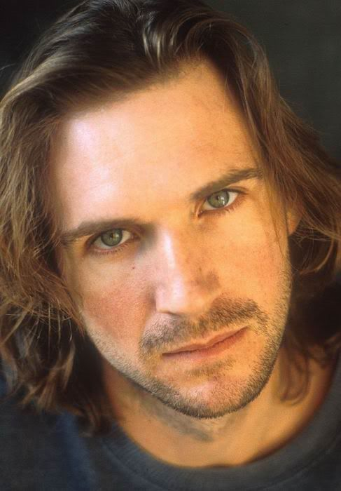 ✶ Guess who? If you said a long-haired Ralph Fiennes, you are RIGHT! ✶