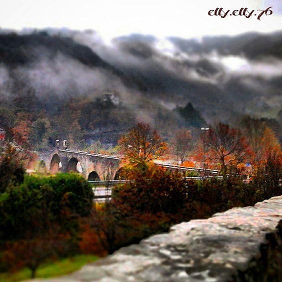 Un quadro del Ponte Gobbo, Bobbio - Instagram by ellyelly76