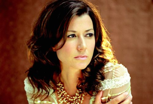 Popular Christian singer Amy Grant Defends Partnership with Pro ...