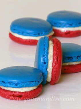 Macarons tricolores (bleu, blanc, rouge) - www.Puregourmandise.com