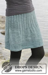 """Knitted DROPS skirt in stocking st with rib in """"Karisma"""". Size: S - XXXL. ~ DROPS Design"""
