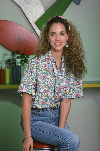 The Most Iconic Curly Hairstyles - Elizabeth Berkeley as Jessie Spano