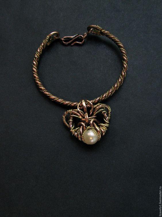 Купить Браслет Щит браслет с жемчугом хризопразом медный - белый, браслет с жемчугом, украшение на руку