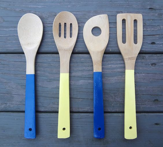 Hardly housewives painted wooden spoons art projects - Cheap wooden spoons for craft ...