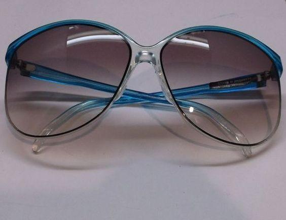 Foster Grant Vintage Blue Sunglasses