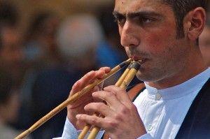 Die Launeddas ist ein traditionelles Musikinstrument aus Sardinien
