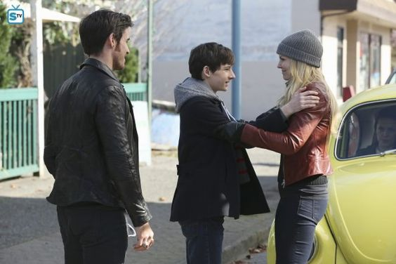 """#OnceUponATime 4x21 """"Mother""""  - Emma, Henry and Hook"""