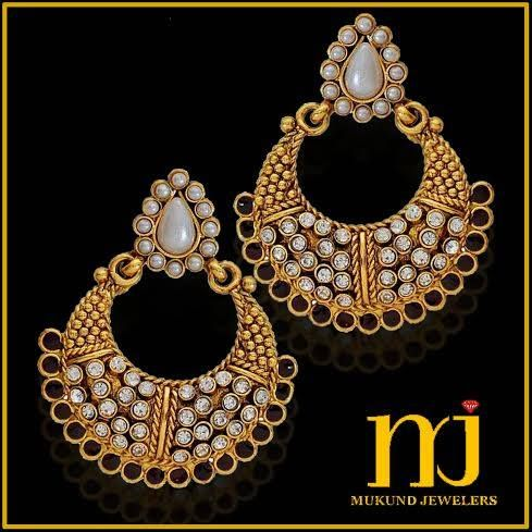 A perfect pair of earnings to match with your outfit for this festive season, gear up to accessories with costume jewellery.!
