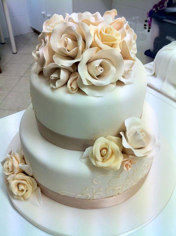 Daily Wedding Cake Inspiration (New!) - MODwedding