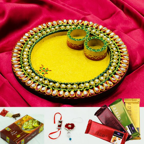 Bhaiya bhabhi rakhi with wooden kundan round pooja thali for Aarti thali decoration ideas for ganpati