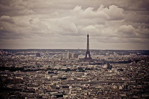 Über den Dächern von Paris - Eifelturm