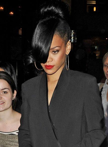 Rihanna Classic Bun