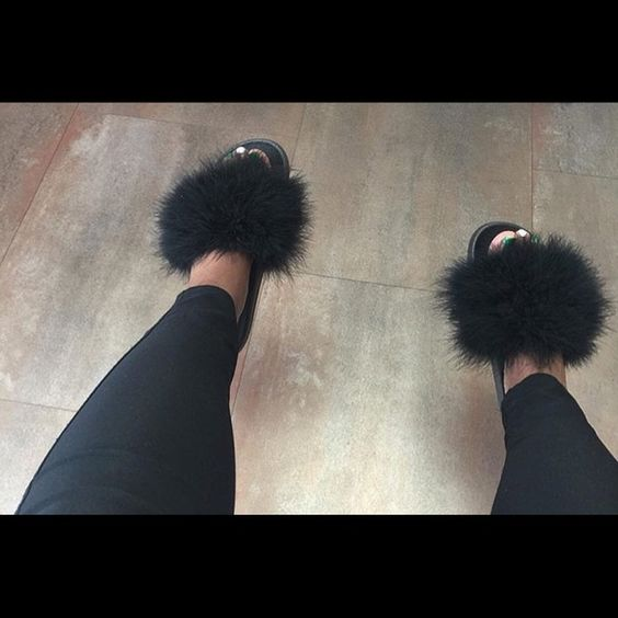 kylie jenner slides with fur