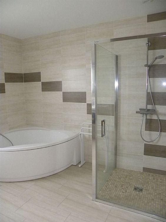 Gerbépal salle de bain avec douche à litalienne et baignoire