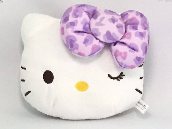 New Hello Kitty Cute Retractable Reel Pocket ID Card Pass Holder Purple Gift