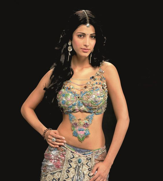 #ShrutiHaasan set for a power packed 2015
