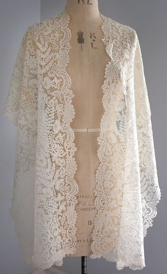 My choice for best lace from the 9/5/2012 Ebay Alerts. Honiton guipure rectangular shawl with butterflies.