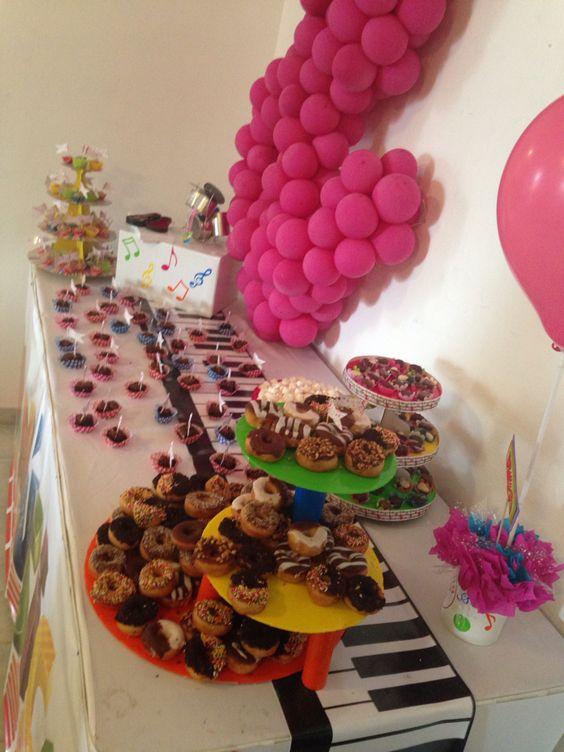 Fiesta infantil decoraci n musical mesa de dulces notas - Mesa dulce infantil ...