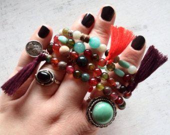 Bracelet hippie, perles pierres agates multicolores, bracelet coloré gypsy, yoga, om, pompon,boho