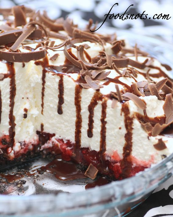 Just looking at the White Chocolate Mousse Cherry Pie makes me hungry for more.: Cherry Pies, Recipe Snob, Pie Recipes, Chocolate Cherry, White Chocolate Mousse