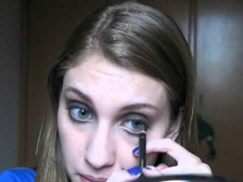 Assista esta dica sobre Tutorial de maquiagem: Bocão vermelho e muitas outras dicas de maquiagem no nosso vlog Dicas de Maquiagem.