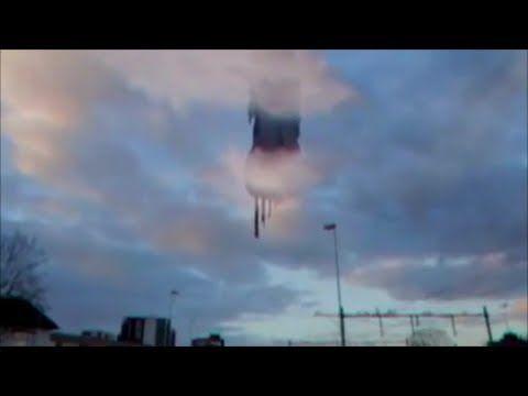 【奇怪千万!UFO映像】な、何アレ!!異質巨大UFOを目撃! ≪×BC≫