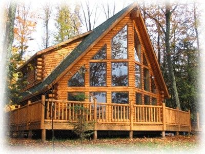 such amazing log homes...I LOVE all the windows! http://bit.ly/HKUuFy