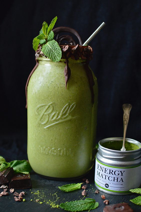This matcha mint smoothie is packed full of antioxidants and gives you a powerful energy boost in the morning. It's also perfect for curing hangovers!