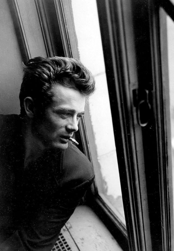 James Dean in NYC photographed by Roy Schatt (1954)
